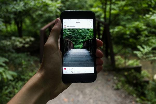Instagram Story Green Location