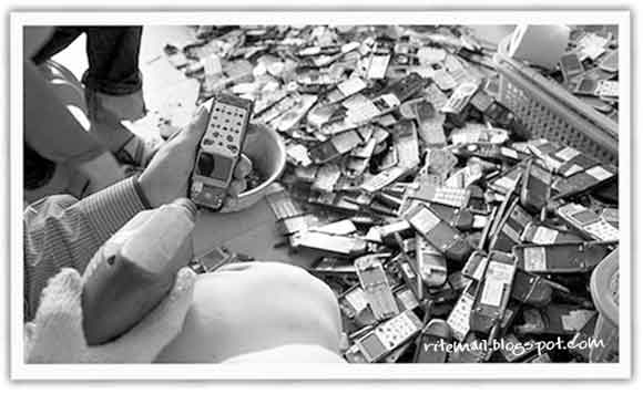 Disassembling Old Mobiles @ China's Electronic Waste Village